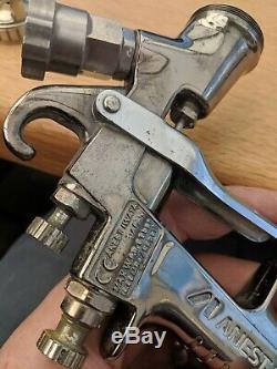 ANEST IWATA W-400 Spray Gun