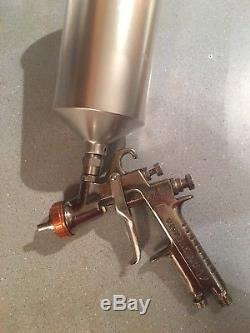 Anest Iwata Extreme Basecoat Paint Spray Gun LPH400 LVX Orange