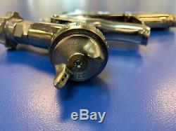 Anest Iwata LPH-300 HVLP Spray Gun 1.6 Tip