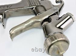 Anest Iwata LPH-300 Paint Spray Gun