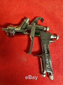 Anest Iwata LPH-400 LV4 Spray Gun with Aluminum Cup and 1.4 tip