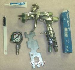 Anest Iwata LS-400 Super Nova Pininfarina Air Paint Spray Gun no Hopper