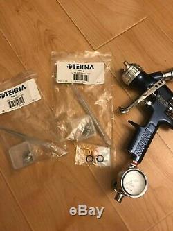 Devilbiss Tekna basecoat spray gun