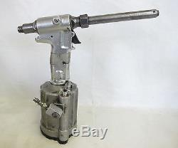 Huck 202 Air Riveter Rivet Gun Pneudaulic Tool with Nose Assembly 99-3306