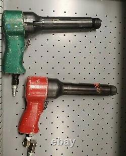(MPT) Michigan Pneumatic MP-70 Rivet Hammer. 498 SHK