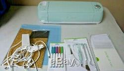 USED Cricut Explore Air 2 Machine Bundle Iron On Vinyl Pack Tools Pen Guide