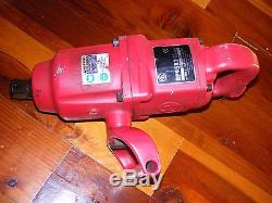Working Chicago Pneumatic Air Impact Wrench, 1 Drive with Reducers, Tested